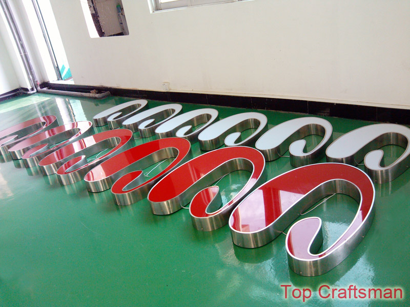 Led channel letters for outdoor advertising signs